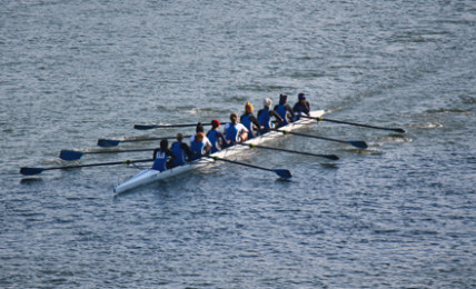 Crew team finishes strong at Hooch