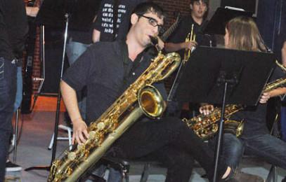 Jazz band 'rocks' Festivus