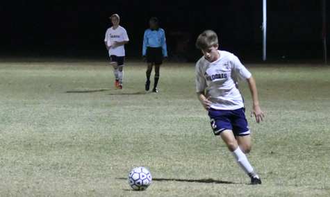 Boys' soccer advances to regional semifinal
