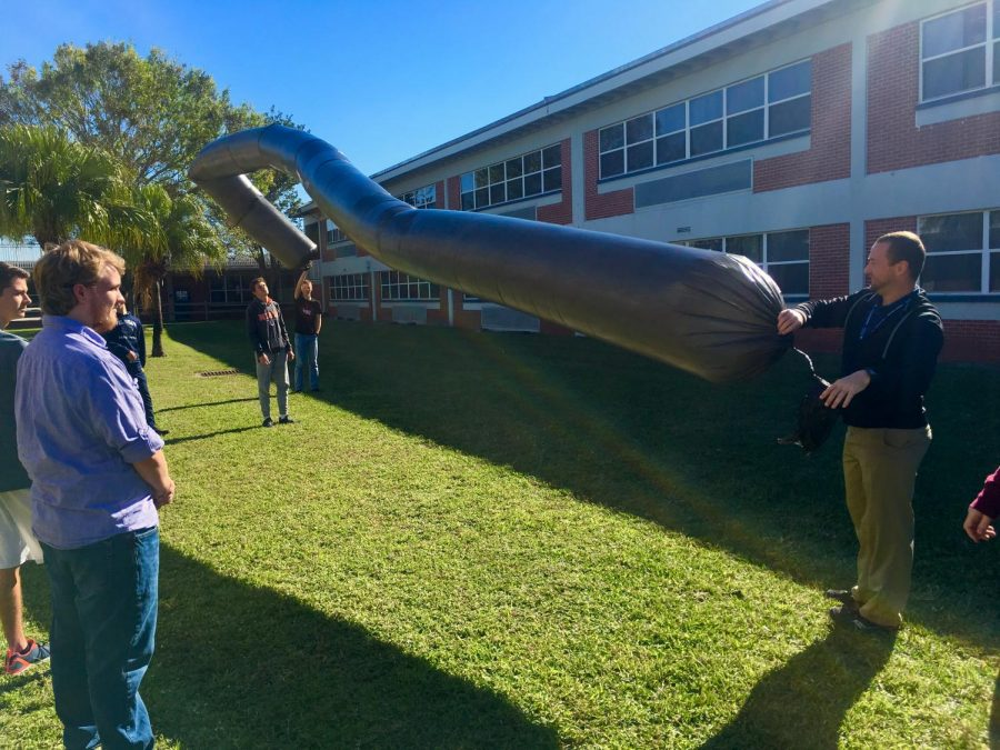 In+Joseph+Estevez%E2%80%99s+AP+Physics+1+class%2C+the+students+experimented+with+heating+molecules+inside+of+a+solar+balloon.