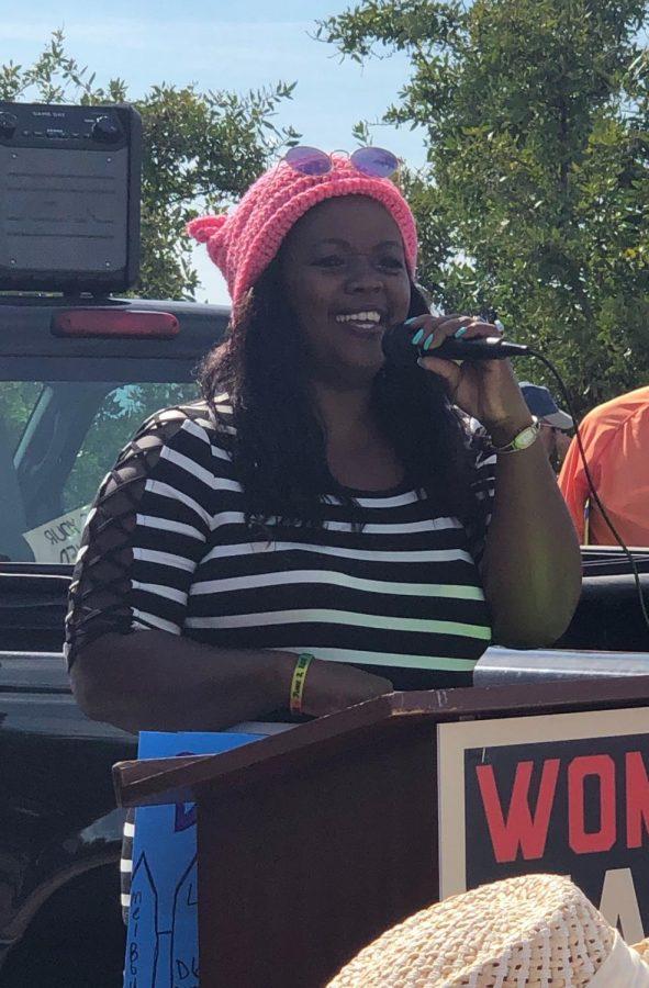 Jeannine Lee Lake gives speech before Women's March begins