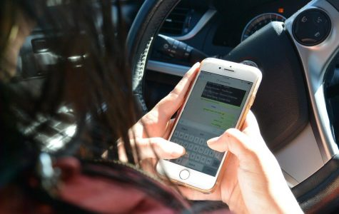 Proposed legislation would curtail cellphone use in cars