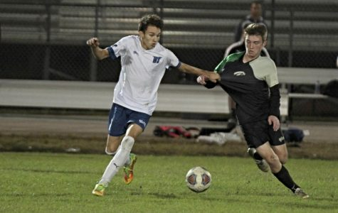 Boys' soccer advances to regionals