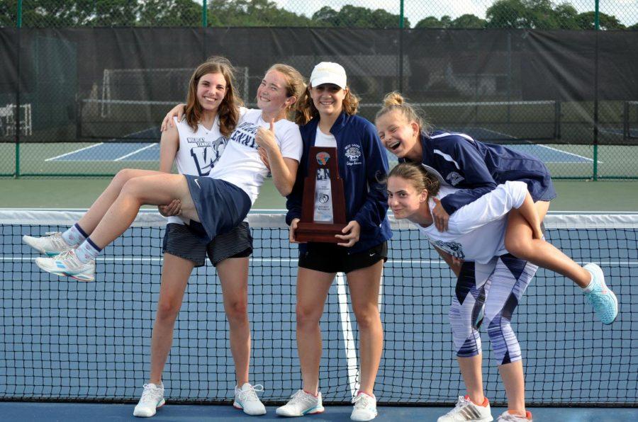 Girls%E2%80%98+tennis+advances+to+regional+play