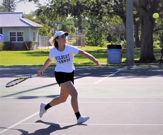 Tehya Bahsoun (9) at the 2019 district tennis competition.