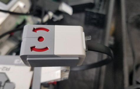 Gyro sensors keep robotics class guessing