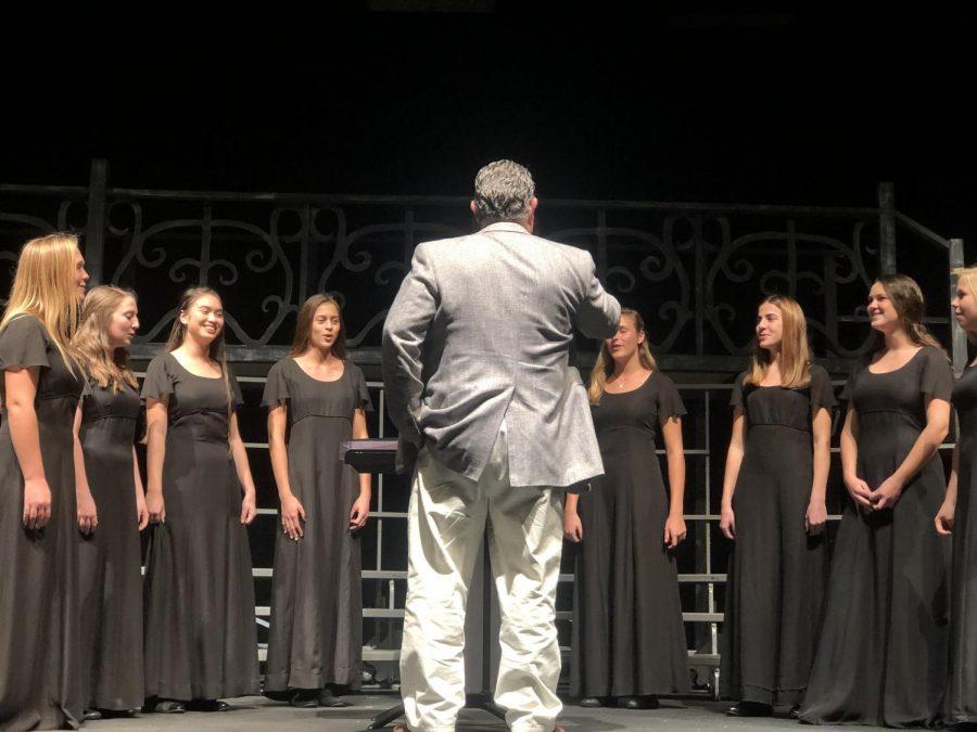 Principal+Rick+Flemming+directing+the+chamber+choir+at+the+autumn+chorus+concert+2019