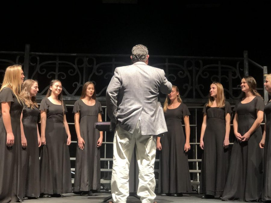 Principal Rick Flemming directing the chamber choir at the autumn chorus concert 2019