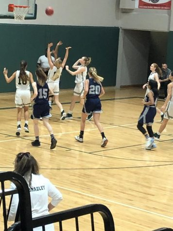 Lady Wildcats fall to MCC 44-14