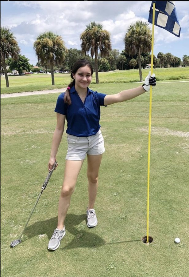 Sophomore+Lila+Iwanowski+at+Crane+Creek+Golf+Course.