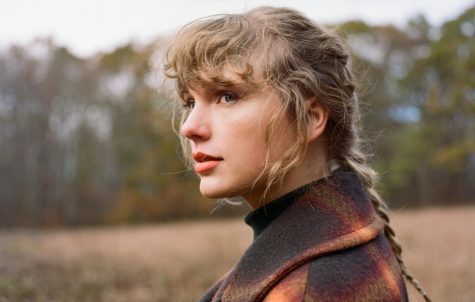 Swift continues to amaze with 'Evermore'